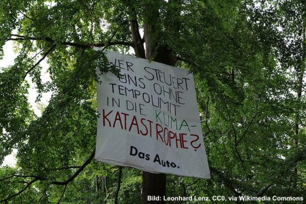 Protestbanner im Dannenröder Forst